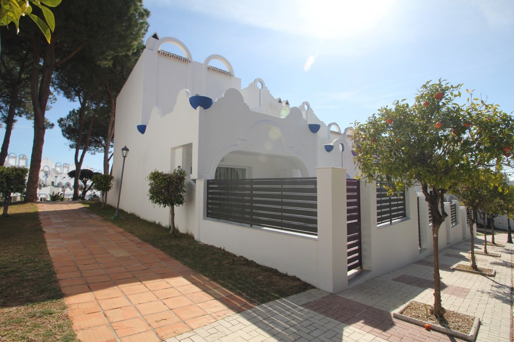 New 1 & 2 Bedroom Apartments in Marbella, Costa del Sol, From €139,000
