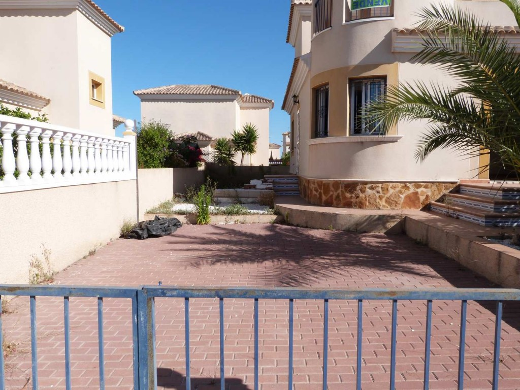 Bank Repossession. Detached 3 Bedroom Villa in Pilar de la Horadada, Alicante, €134,000