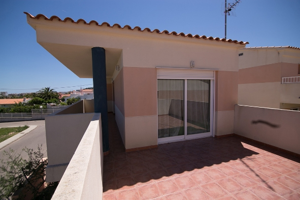 New 2 Bedroom Detached Villa with Shared Pool in Peñiscola, Castellon, €125,000