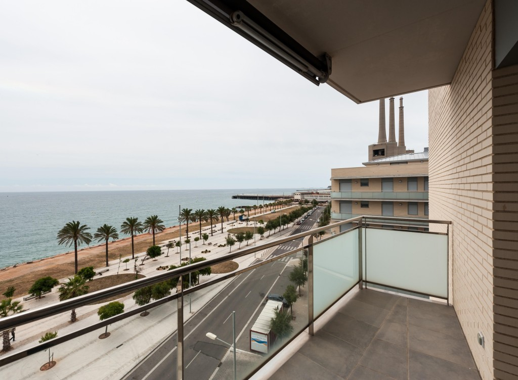 New Beach Front 3 & 4 Bedroom Apartments in Badalona, Barcelona, From €298,465