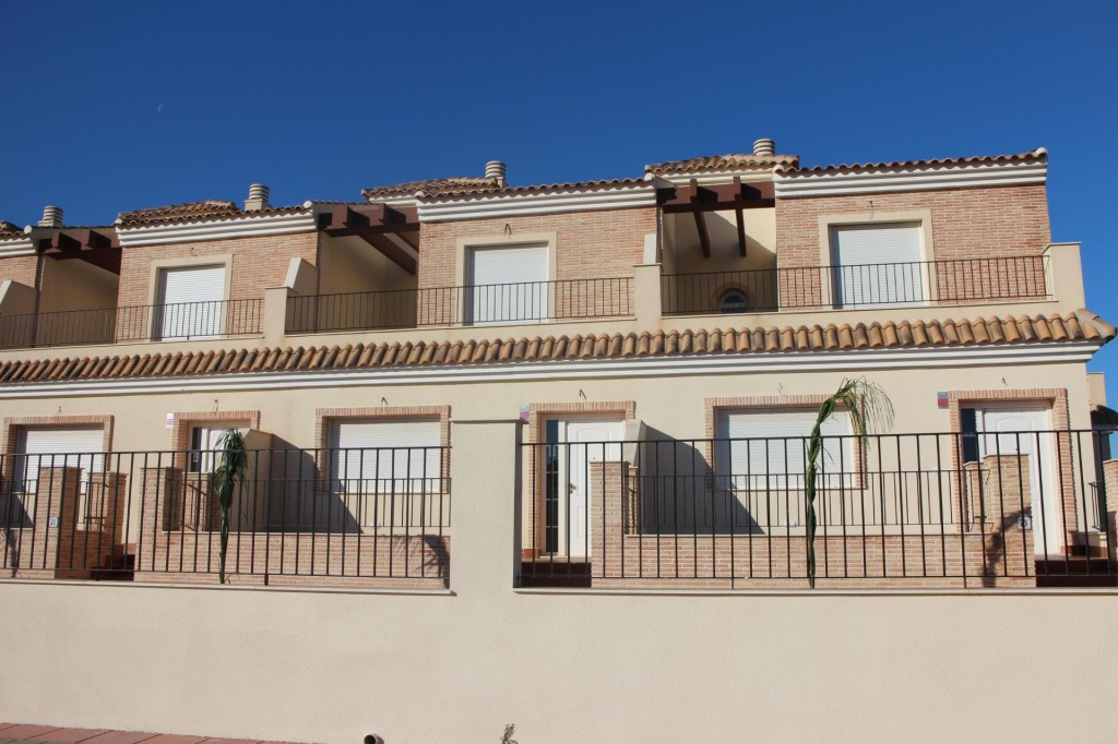 Bank Repossession. New 3 Bedroom Townhouses in Los Alcazars, Murcia, Spain, From €135,000