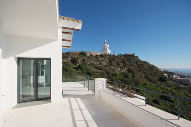 New 4 Bed 4 Bath Villa in Benalmadena, Malaga, €925,000