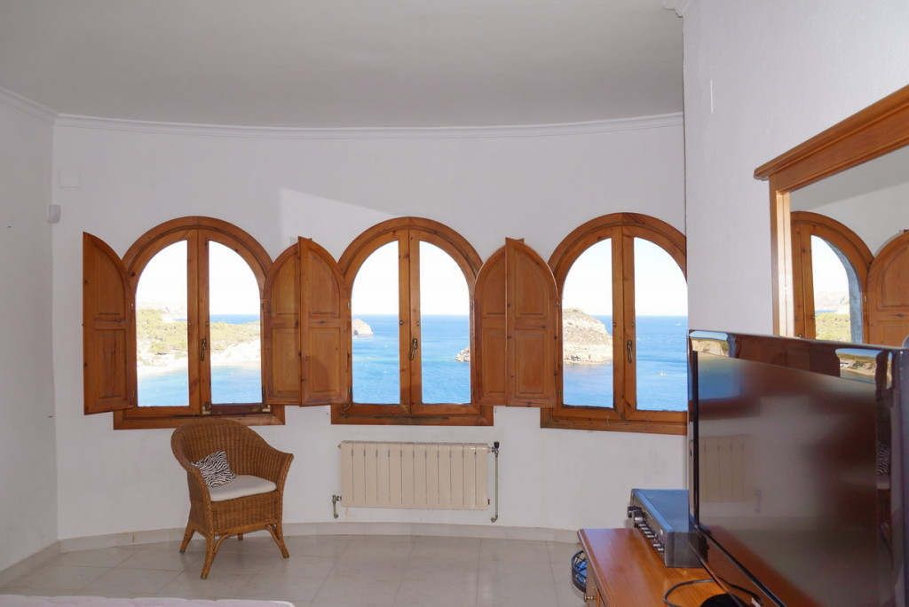 Frontline 4 Bedroom Detached Villa with panoramic views in Javea, Alicante, €1,295,000