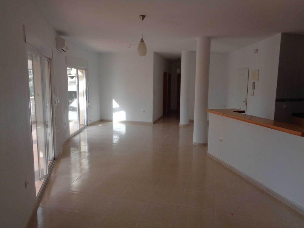 Bank Repossession. 5 Bedroom Detached Villa with Private Pool in Busot, Alicante, €214,000