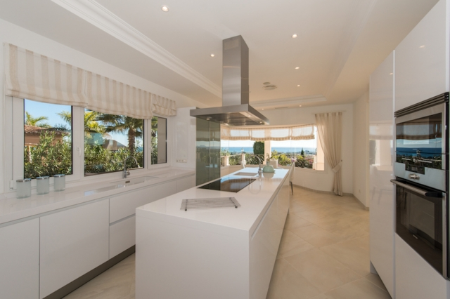 7 bedroom Villa for sale in Los Flamingos, Benahavis, Malaga, Spain, €2,995,000