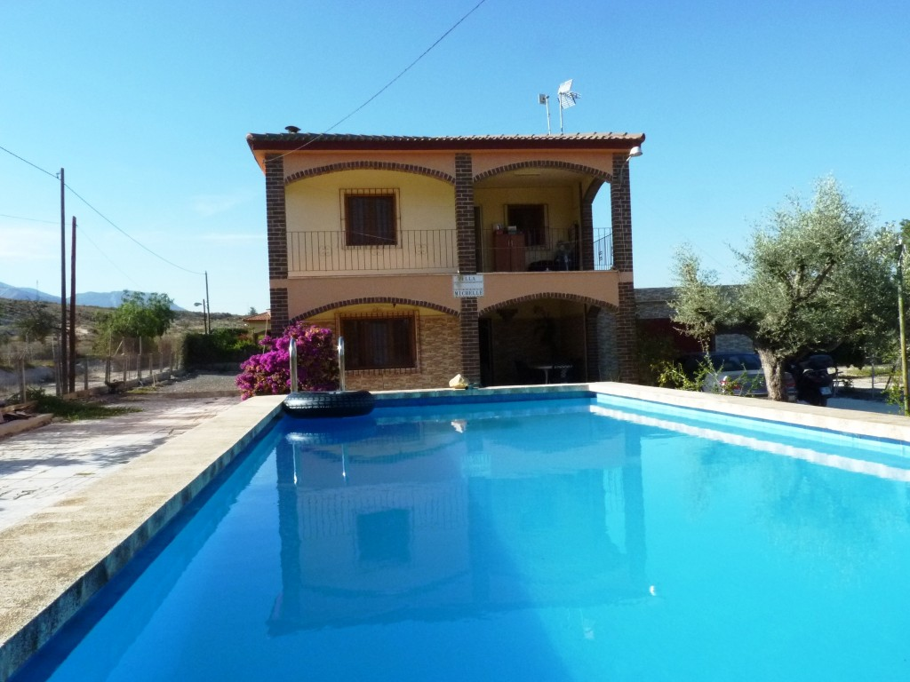 Bank Repossession Lovely 3 Bedroom Detached Villa with Private Pool in Alicante, €175,000