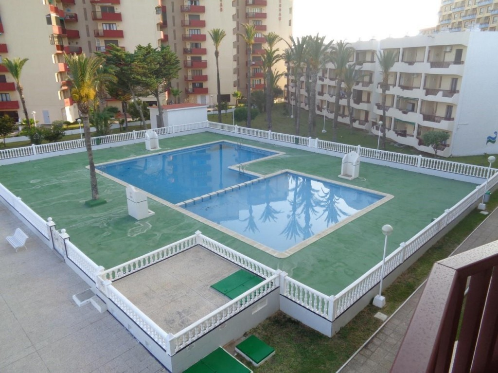 Bank Repossession. 2 Bedroom Apartment in La Mange del Mar Menor, Murcia, €66,700
