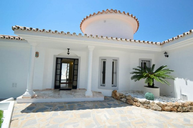 6 Bedroom Detached Villa for sale in Torrequebrada, Benalmádena, Málaga, Spain, €1,500,000