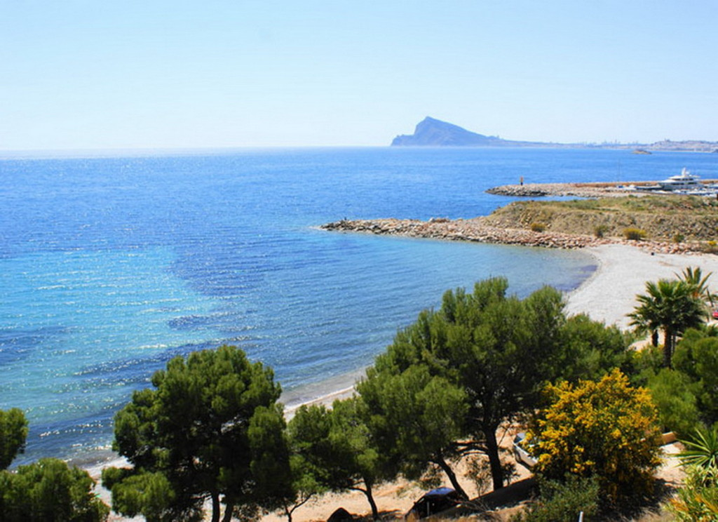 Reduced! New beachfront 2 Bedroom apartment in Altea €200,000