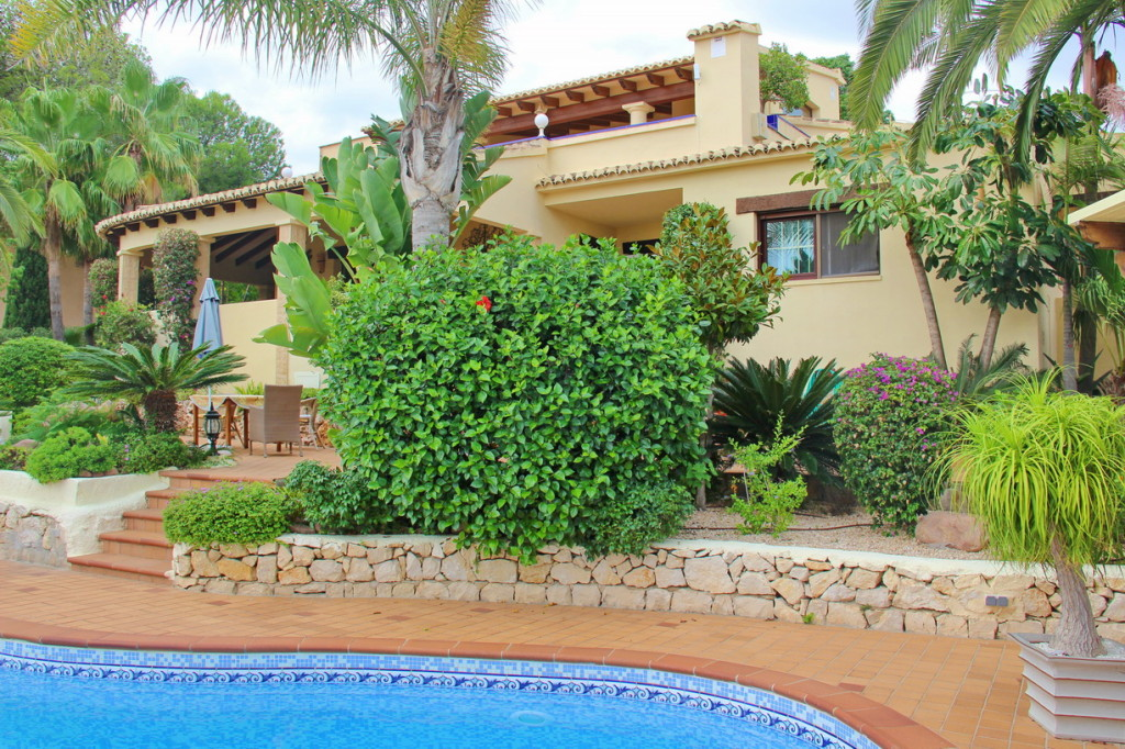 2 Detached Villas (7 Bedrooms) in Moraira, Alicante, with sea view €1,490,000