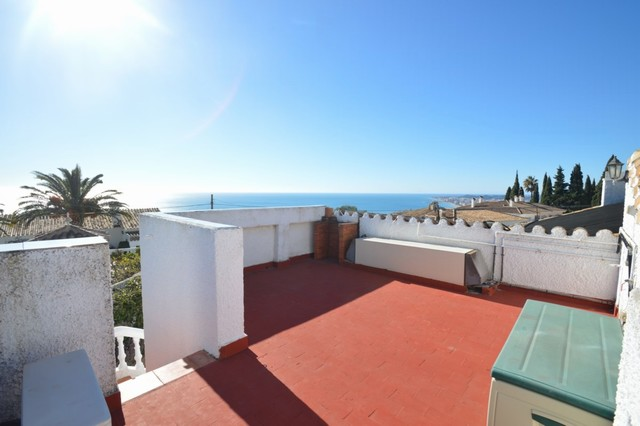 3 Bedroom Villa with Private Pool For Sale In Benalmádena, Málaga, Spain €410,000