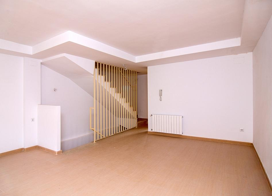 Bank Repossession. New 3 Bedroom Townhouses with community pool in Alcoi, Alicante, From €94,500!