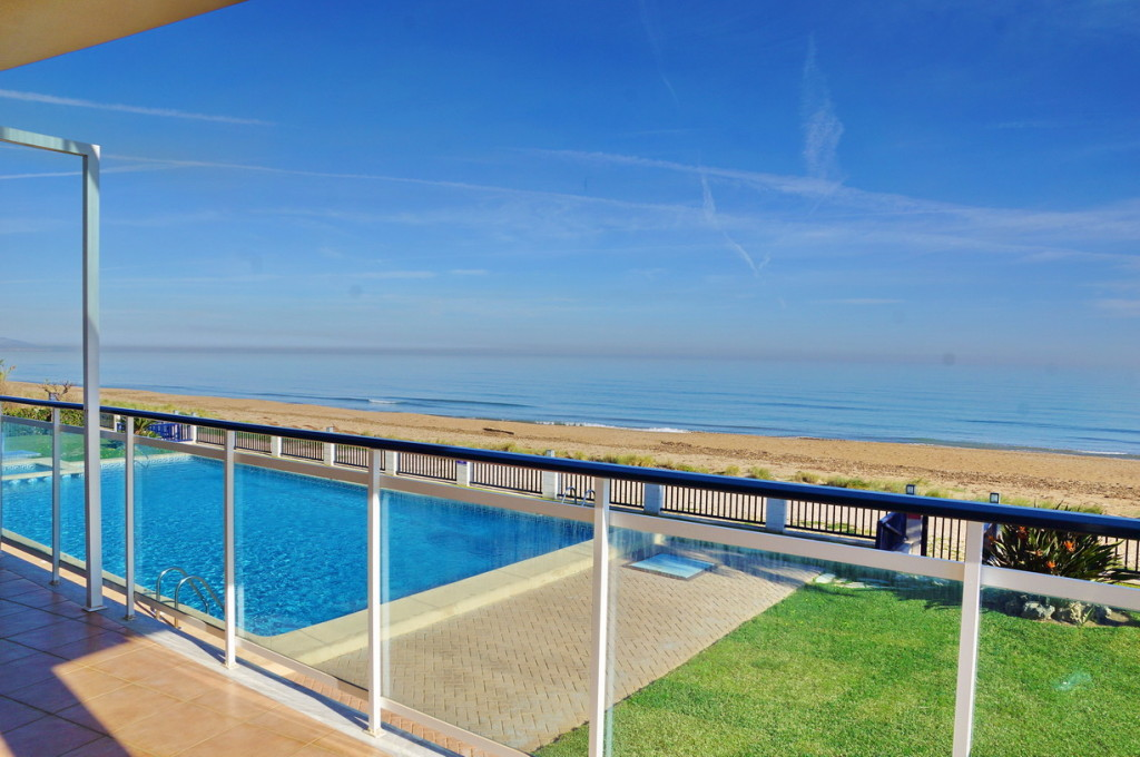 Beautiful Frontline 3 Bedroom Apartment in Denia, Alicante, Spain, €372,000