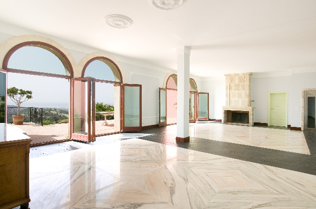 6 Bedroom Villa for sale in Monte Mayor, Benahavís, Málaga, Spain €1,725,000