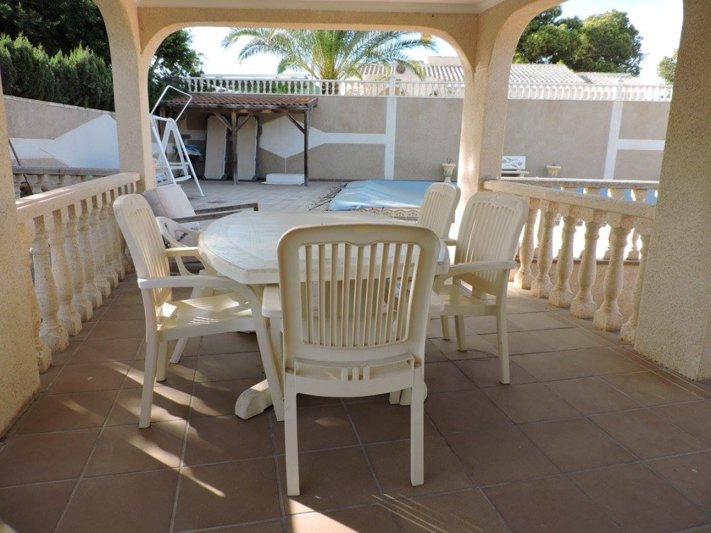 Detached 3 Bedroom Villa with Private Pool in Torrevieja, Alicante, €335,000
