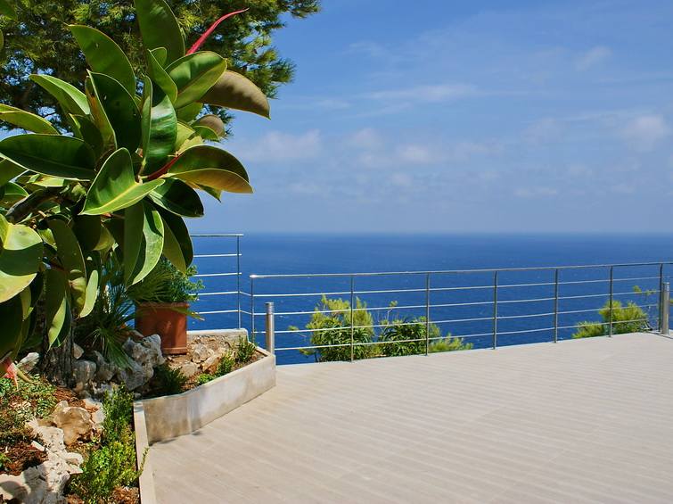 4 Bedroom Villa on the seafront with fantastic sea views in Javea, Alicante, Spain, €1,700,000