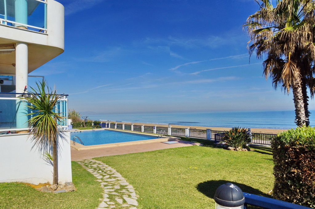 Frontline 3 Bedroom Apartment with Sea Views in Denia, Alicante, Spain, €300,000