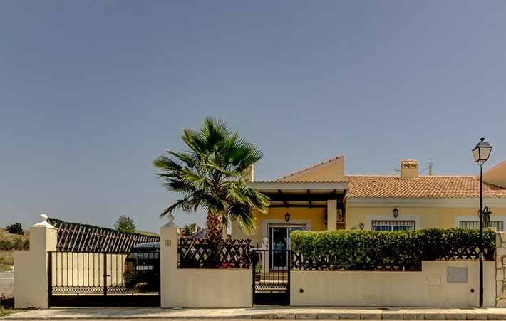 2 Bedroom Semi-Detached Bungalow with Private Pool in Partaloa, Almeria, Spain, €95,000