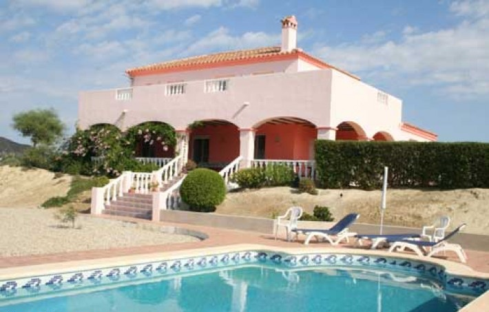 Beautiful 3 bedroom villa with pool & stables situated on a 10.000 m² plot in Vera, Almeria, Spain, €299,950