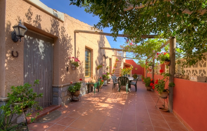 Detached 4 Bedroom Cortijo with Private Pool in Vera, Almeria, €299,000