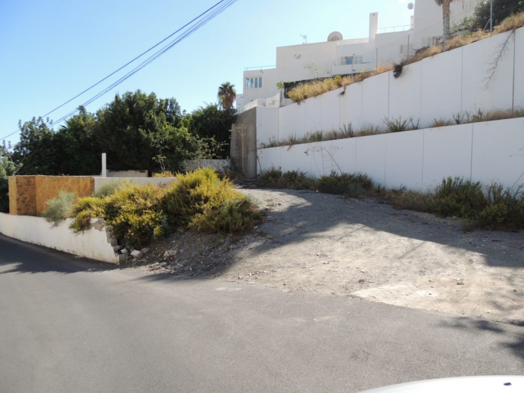 Building plot with swimming pool and sea views in Mojacar €129,950