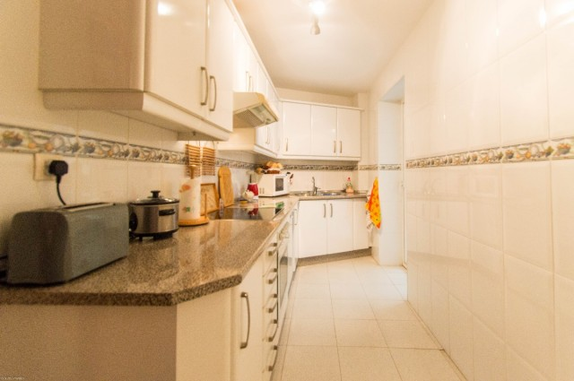 Ground Floor 2 Bedroom Apartment in Benalmádena Pueblo, Málaga, Spain, €139,950