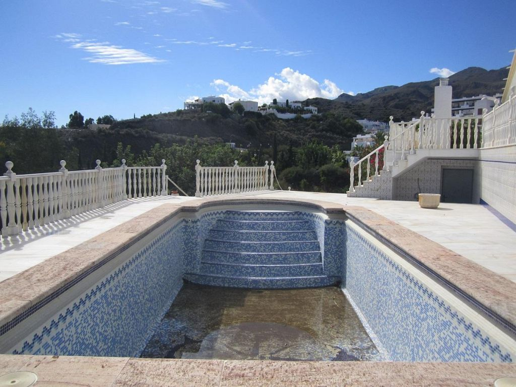 Large 5 Bedroom Villa with Private Pool in Mojacar, Almeria. Was €800,000. NOW €681,200!