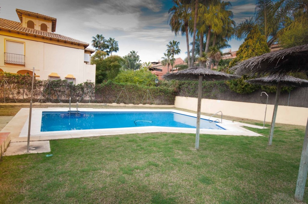 4 Bedroom Townhouse in Puerto Banús, Marbella, 500m from the Beach, €415,000