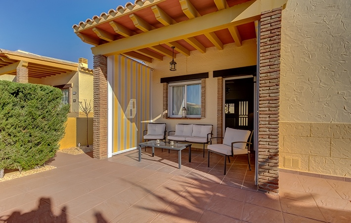 Detached 2 Bedroom Bungalow with Communal Pool in Vera, Almeria, Spain €135,000
