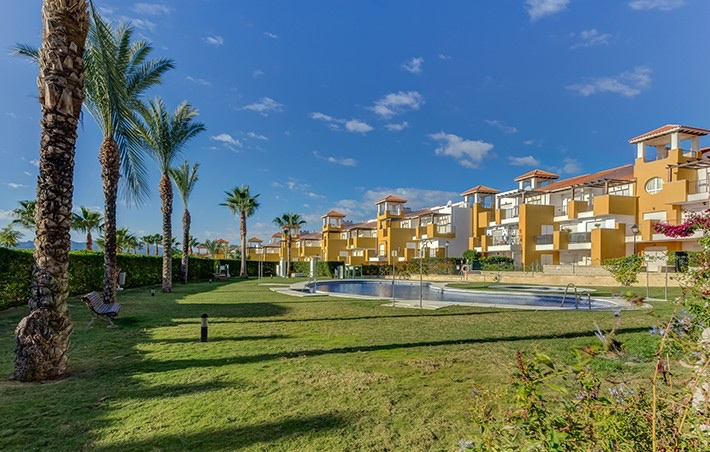 1 Bedroom Apartment with Indoor & Outdoor Pool in Vera Playa, Almeria, €69,000