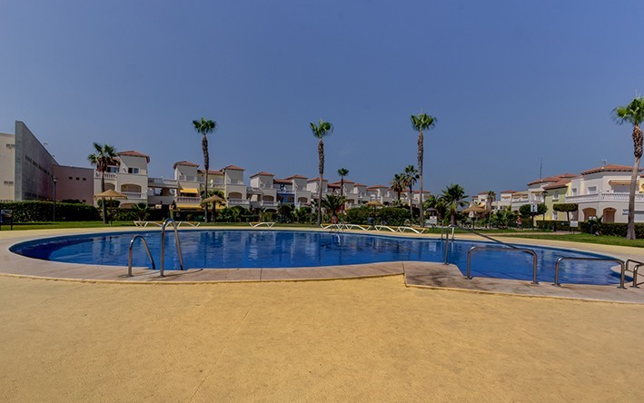 2 Bedroom Apartment with Indoor and Outdoor Pool in Torremar Natura, Vera Playa, €115,000