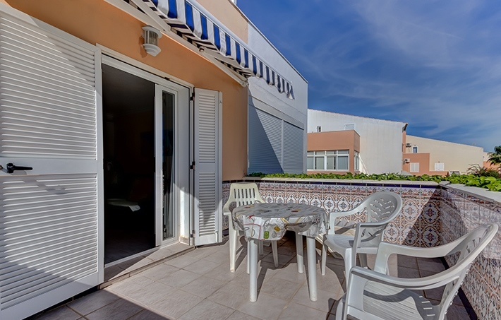 Beach Frontline 1 Bedroom Apartment in Vera Natura, Almeria, Spain, €99,000
