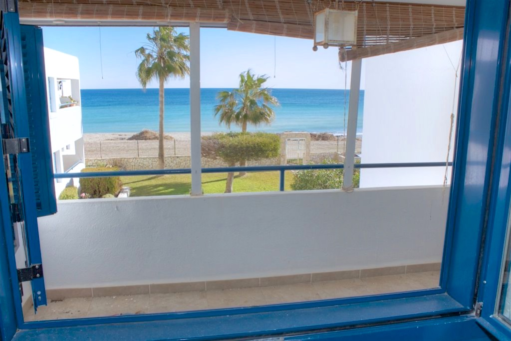 Frontline 2 Bedroom Apartment in Mojacar Playa, Almeria, Spain, €185,000