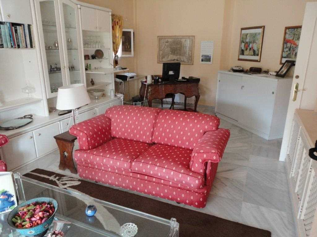 Detached 4 Bedroom Villa with Private Pool in Estepona, Malaga, Spain, €599,000