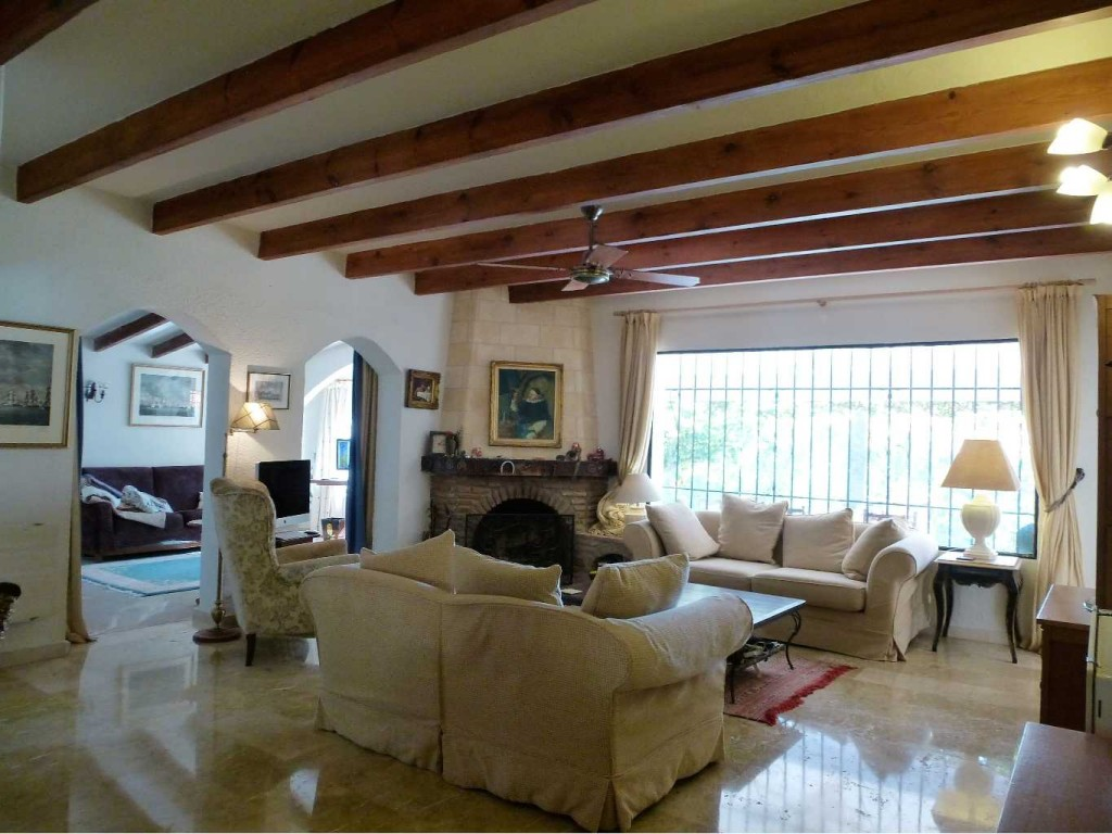 Detached 6 Bedroom Villa in Benahavis, Malaga, Spain, €945,000