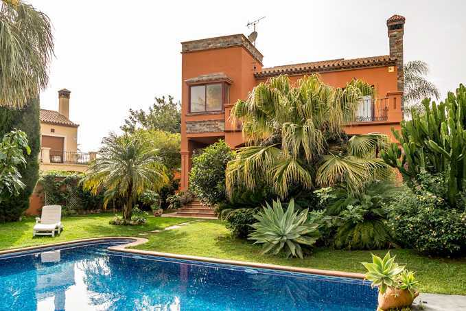 Detached 6 Bedroom Villa With Private Pool in Marbella, Malaga,Spain, €790,000