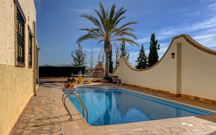 Furnished 2 Bedroom Detached Villa with Private Pool & Jacuzzi in Vera, Almeria, €239,000