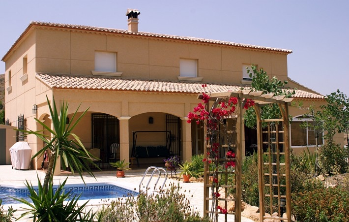 5 Bedroom Villa with Private Pool on a Huge Plot in El Puertecico, Huercal Overa, €425,000