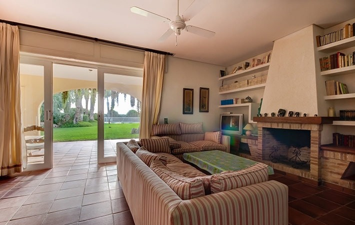 4 Bedroom Detached Villa Near Beach in Puerto Rey, Almeria, €750,000