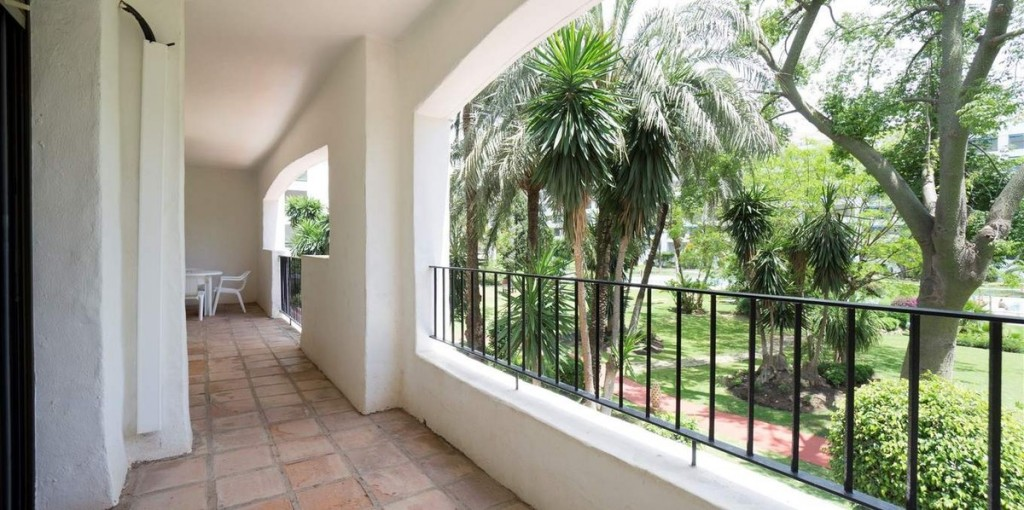 3 Bedroom Apartment in Puerto Banus, Malaga, €497,000
