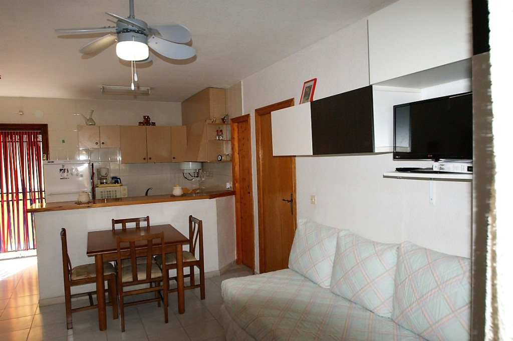 1 Bedroom Apartment Near Beach in La Mata, Torrevieja, Alicante, €65,000