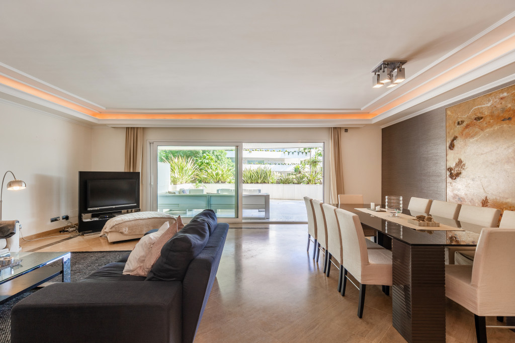 3 Bedroom Apartment in Puerto Banus, Marbella, Malaga, €1,150,000