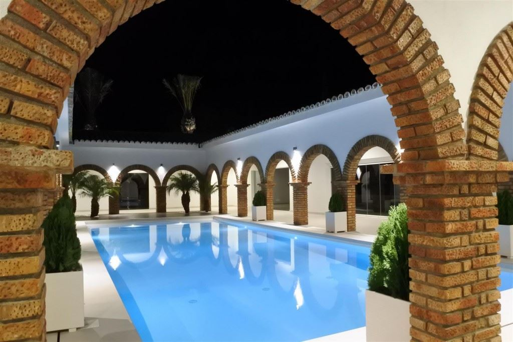 8 Bedroom Country house for sale in Coín, Malaga, Spain, €1,700,000