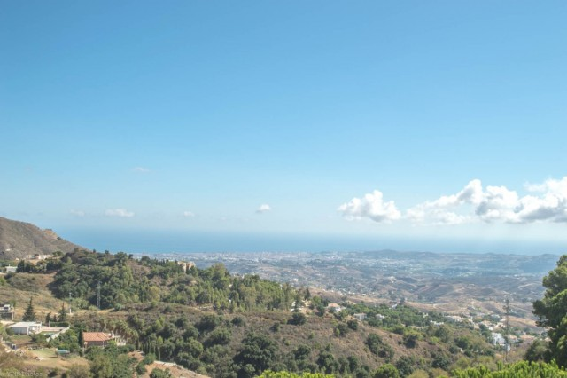 4 Bedroom Villa with Panoramic Views for sale in Mijas, Málaga, Spain, €499,000