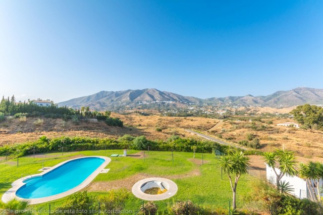 2 Bedroom Apartment for sale in El Hornillo, Mijas, Málaga, Spain, €130,000