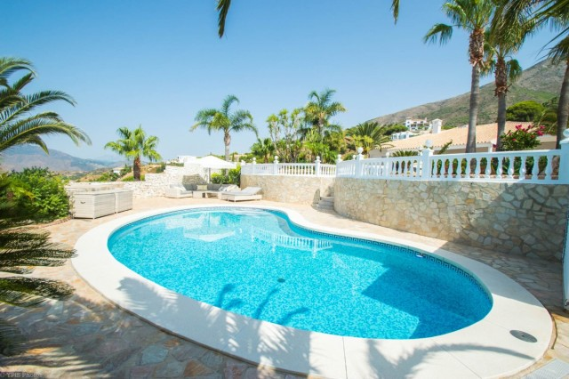 4 Bedroom Villa for sale in Valtocado, Mijas, Málaga, Spain, €1,375,000