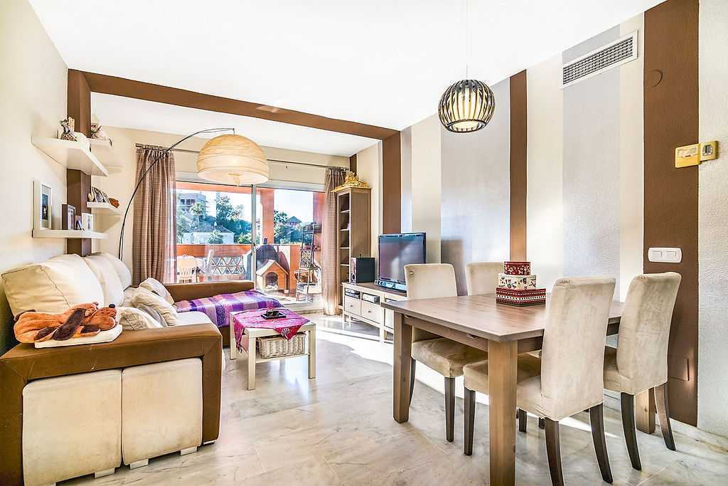 2 Bedroom Apartment in Reserva de Marbella, Marbella, Malaga, €188,000