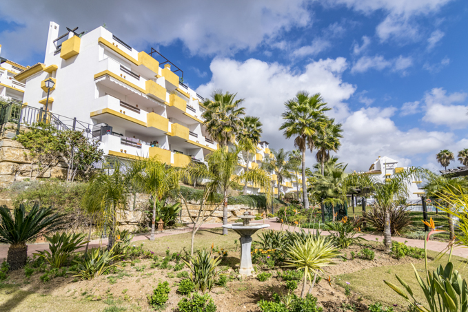 New 2 Bedroom Golf Apartments in Mijas, Malaga, From €127,000