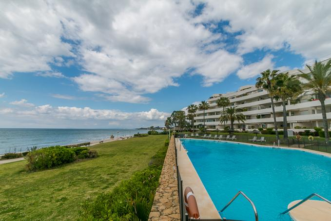 Fabulous Frontline 3 Bedroom Penthouse Duplex Property in Estepona, Malaga, €935,000