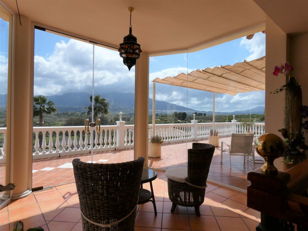 6 Bedroom Country house for sale in Alhaurín El Grande, Malaga, €995,000